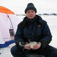 За крупным зимним лещом с палаткой