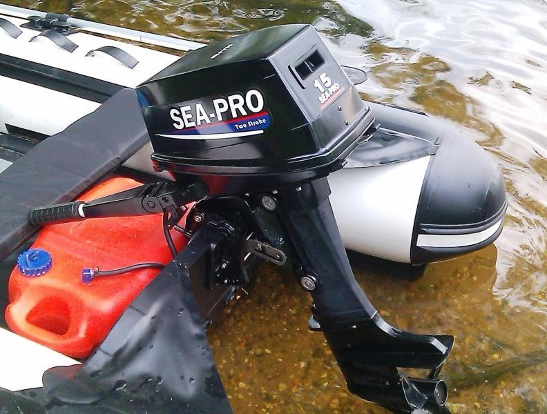 Мотор SEA PRO на лодке
