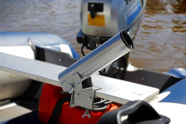 Функциональный держатель для спиннинга на лодке