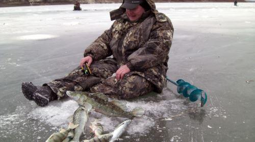 Каковы особенности экипировки для зимней рыбалки?