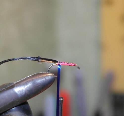Изготовление мокрой мушки с телом из шелка в домашних условиях