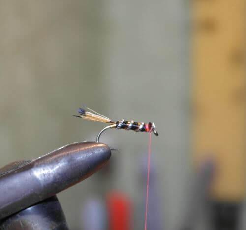 Инструкция по изготовлению мушки из шелка дома