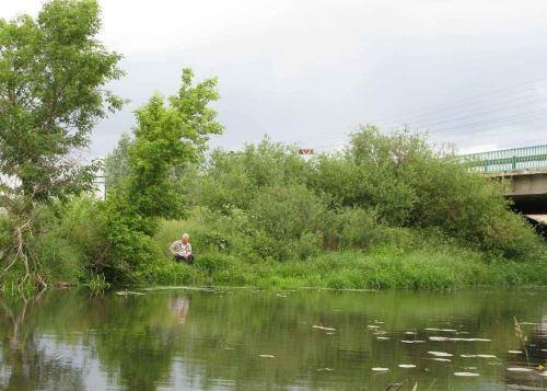 Поплавочная ловля вблизи суводей