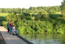 Поплавочная ловля на течении и в заводях на реке