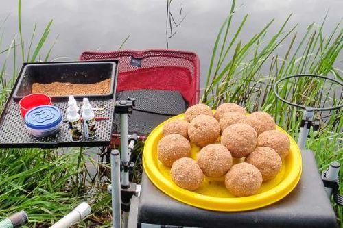 Тонкости приготовления прикормки на карася