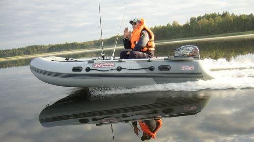 Как нужно правильно заклеивать лодку