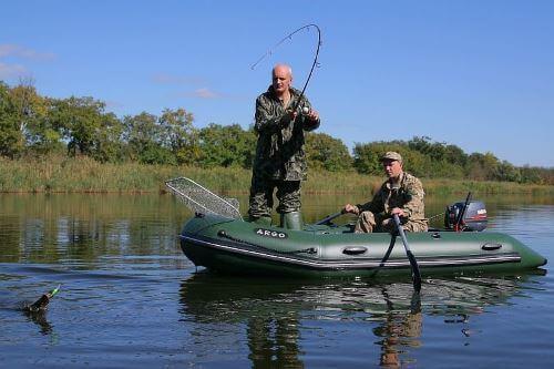 Как правильно рыбачить с лодки
