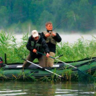 Когда запрещено и разрешено ловить рыбу с лодки