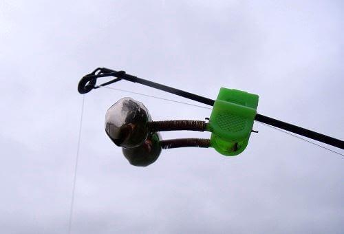 установка колокольчика на фидер