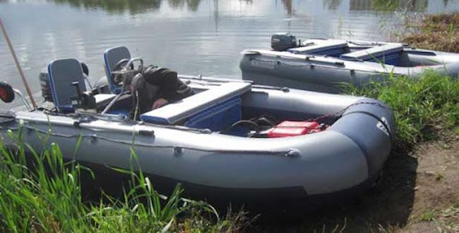 Лодка после тюнинга на воде