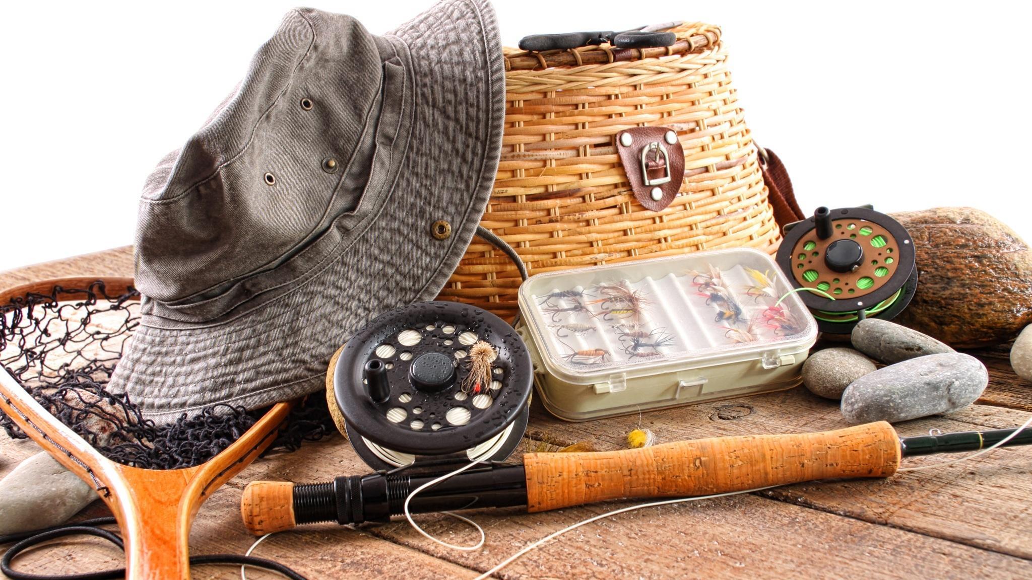 Необходимые вещи для летнего и зимнего отдыха с рыбалкой